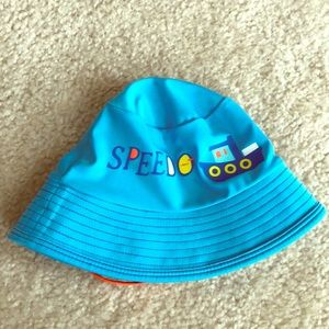 Speedo baby spf50 sun hat. Fit up to about 1yr old